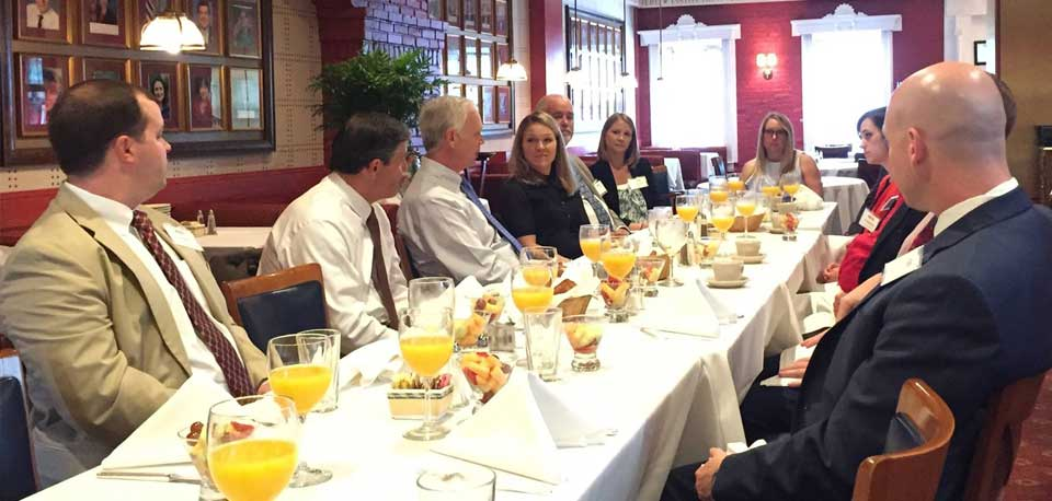 U.S. Senator Ron Johnson (R-Wisconsin) speaking with BIPAC members at a Barometer Breakfast in DC.